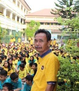 Yustinus Suharta, S.Pd.SD. Wali Kelas 5 Bumi